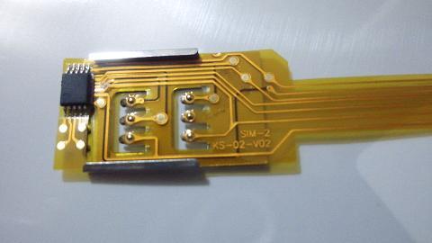Dual SIMアダプターのSIM-2側(表?).JPG