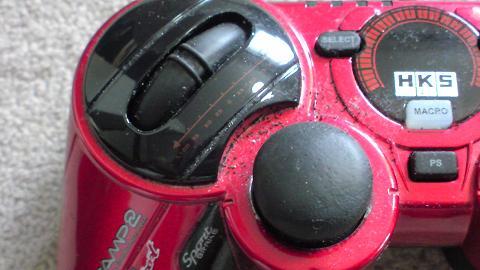 HKSレーシングコントローラが埃まみれで、その中に黒い粉が...②.JPG