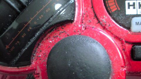 HKSレーシングコントローラが埃まみれで、その中に黒い粉が...③.JPG