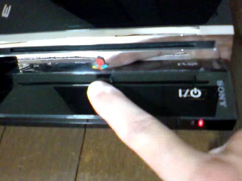 PS3 60GB 赤点滅から、飲み込まれたディスク(GT5)の救出を試みる⑧.JPG