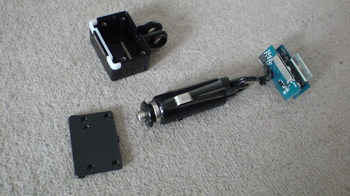 前回製作した iPod nano (5th) 専用の車載ホルダーをバラす⑥.JPG