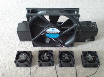 INTERCOOLER TS for PS3 ⑫ オリジナル 4cm FAN x4 VS 12cm FAN.JPG