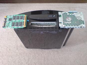 PS3 60GB SSD換装 12 HDDからSSDへの入れ替えの儀.JPG