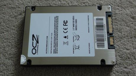 PS3の換装するSSD OCZ OCZSSD2-2VTXE60Gのスペックと中身②.JPG