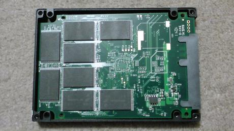 PS3用に換装するSSDの殻割り(OCZ OCZSSD2-2VTXE60G)④.JPG