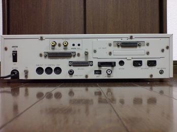 SHARP X1turbo CZ-852CE ⑦ 背面(カラーイメージボードのI/Fのみ?).JPG