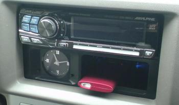 iPod nano (5th) 専用の車載ホルダー完成!④.JPG