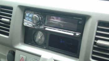 iPod nano (5th) 専用の車載ホルダー完成?②.JPG