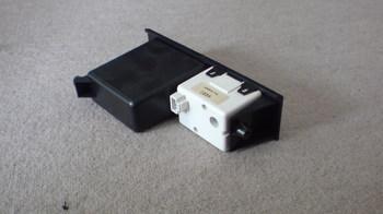 iPod用車載ホルダーを再製作 オーディオ取り付けキットからの取り外し⑧.JPG